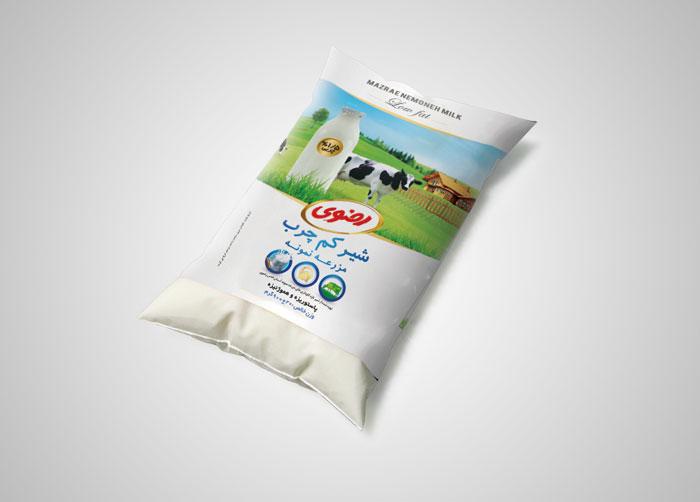 طراحی بسته بندی شیر بالشتکی کم چرب مزرعه نمونه رضوی