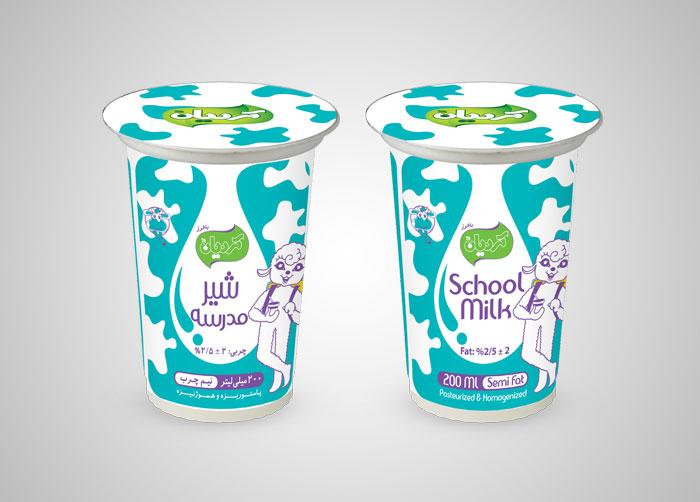 طراحی بسته بندی لیوانی شیر نیم چرب مدرسه کردیان